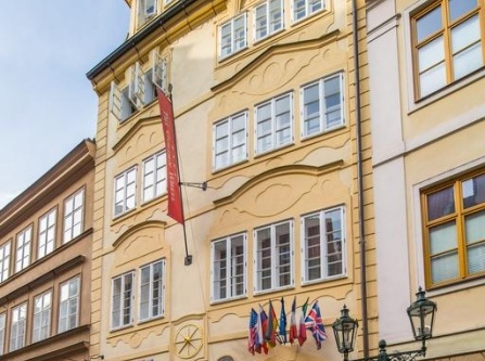 Best romantic hotels in prague for Luxury boutique hotels prague